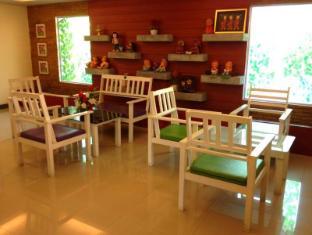 Casa Narinya Hotel at Suvarnabhumi Airport Bangkok - Lobby