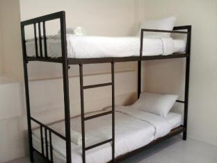 Asoke Montri Hostel Bangkok - 6 Bed Female Dorm