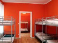 1 voodi 8 voodiga ühises magamissaalis
