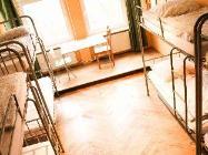1 postel v 8 lůžkovém společném pokoji (smíšeném)