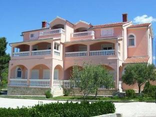/rooms-apartments-linda-mario/hotel/zadar-hr.html?asq=jGXBHFvRg5Z51Emf%2fbXG4w%3d%3d