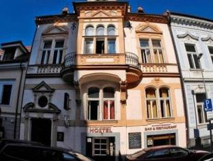 /th-th/downtown-backpacker-s-hostel/hotel/bratislava-sk.html?asq=5VS4rPxIcpCoBEKGzfKvtE3U12NCtIguGg1udxEzJ7nKoSXSzqDre7DZrlmrznfMA1S2ZMphj6F1PaYRbYph8ZwRwxc6mmrXcYNM8lsQlbU%3d