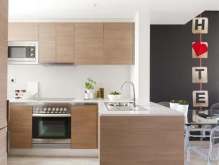 Eric Vökel Boutique Apartments – Gran Via Suites Barcelona - Kitchen