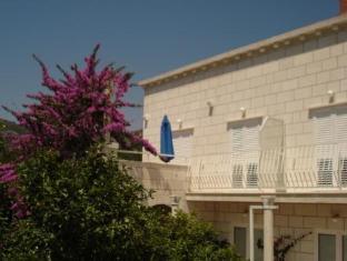 /es-es/apartments-husanovic/hotel/dubrovnik-hr.html?asq=vrkGgIUsL%2bbahMd1T3QaFc8vtOD6pz9C2Mlrix6aGww%3d