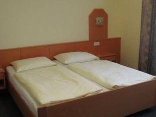 /pension-sprinzl/hotel/schwechat-at.html?asq=jGXBHFvRg5Z51Emf%2fbXG4w%3d%3d