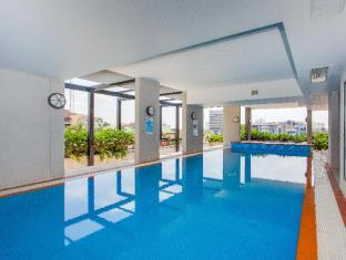 Republic Serviced Apartments Brisbane - Heated pool and spa