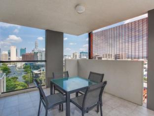 Republic Serviced Apartments Brisbane - 2 Bedroom Apartment