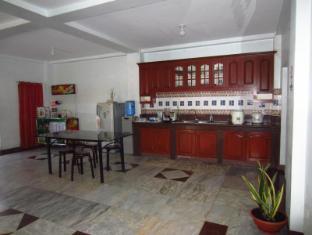 Pe're Aristo Guesthouse Cebu - Kitchen