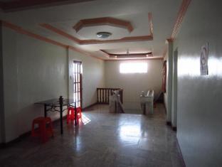 Pe're Aristo Guesthouse Cebu - Hallway