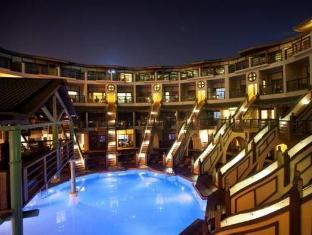 /limak-lara-de-luxe-hotel-ultra-all-inclusive/hotel/antalya-tr.html?asq=GzqUV4wLlkPaKVYTY1gfioBsBV8HF1ua40ZAYPUqHSahVDg1xN4Pdq5am4v%2fkwxg