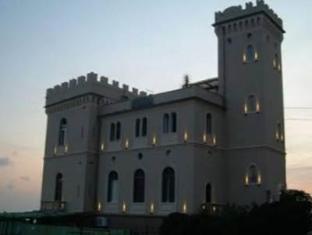 /fr-fr/hotel-castello-miramare/hotel/genoa-it.html?asq=vrkGgIUsL%2bbahMd1T3QaFc8vtOD6pz9C2Mlrix6aGww%3d