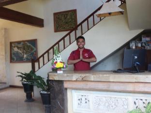 Hotel Sanur Indah Bali - Friendly staff