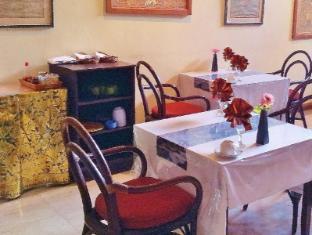 Hotel Sanur Indah Bali - dining table