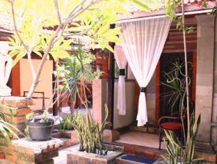 Hotel Sanur Indah Bali - Balinese room design