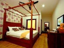 River View Resort: interior