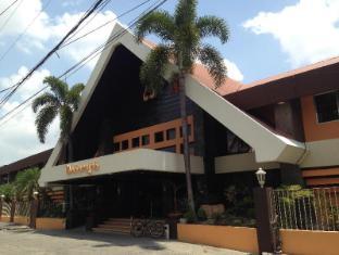 Maharajah Hotel Angeles / Clark - Exterior