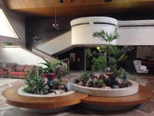 Maharajah Hotel Angeles / Clark - Lobby