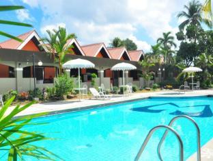 Maharajah Hotel Angeles / Clark - adult pool 2