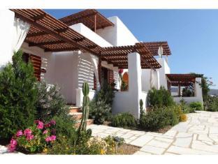 /fr-fr/9-muses-hotel/hotel/paros-island-gr.html?asq=vrkGgIUsL%2bbahMd1T3QaFc8vtOD6pz9C2Mlrix6aGww%3d