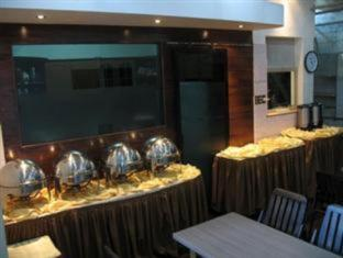 Mervit Hotel Padang - Restaurant