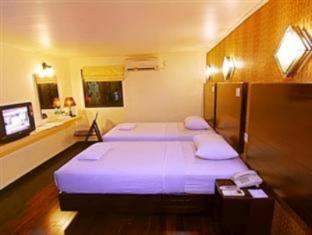 Mervit Hotel Padang - Guest Room