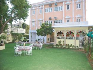 /fr-fr/anuraag-villa/hotel/jaipur-in.html?asq=vrkGgIUsL%2bbahMd1T3QaFc8vtOD6pz9C2Mlrix6aGww%3d