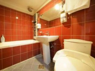 Hit Hotel Seoul - Bathroom
