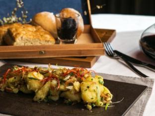 Hotel Muse Bangkok Bangkok - Kipfler potatoes crushed