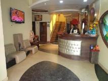 Hotel Revels Plum: reception