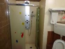 Hotel Revels Plum: bathroom