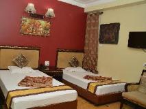 Hotel Revels Plum: guest room