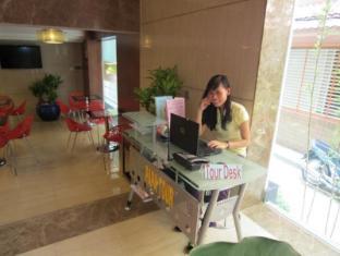 Golden Wind Hotel Ho Chi Minh City - Tour Desk