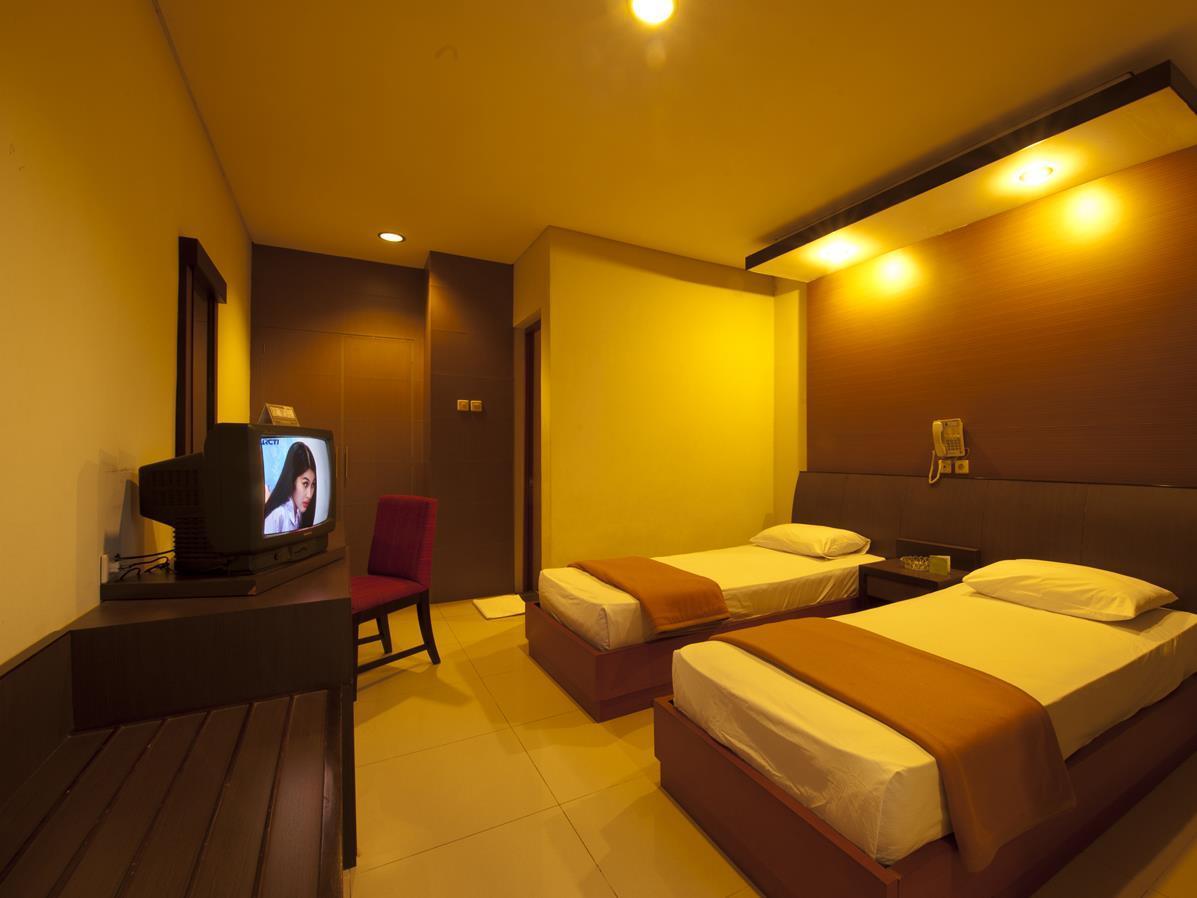 Orange Hotel Solo Tawangmangu picture
