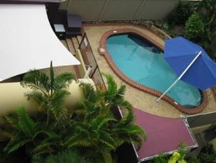 Seafarer Chase Holiday Apartments Sunshine Coast - Swimming Pool