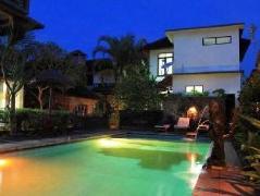 Warsa Garden Bungalows | Indonesia Budget Hotels