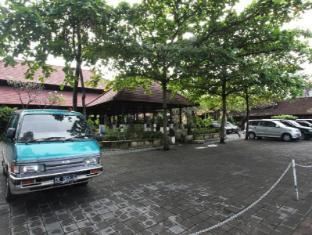 Puri Dalem Sanur Hotel Bali - Sissepääs