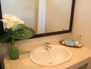Puri Dalem Sanur Hotel بالي - حمام