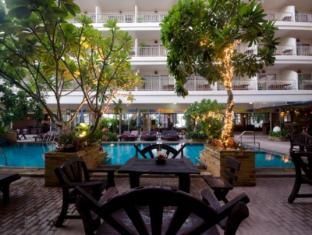 Sabai Wing Pattaya - Swimming Pool