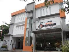 Boulevard Hotel, Indonesia