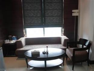 7 Flags International Mumbai - Suite Room
