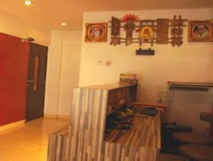 7 Flags International Mumbai - Hotel Reception