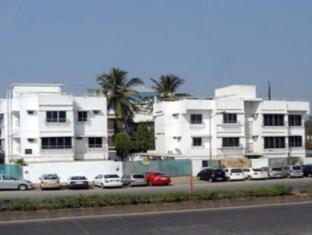 7 Flags International Mumbai - Hotel Main Building
