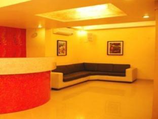 7 Flags International Mumbai - Hotel Lobby