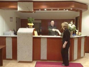 /bd-ops-test-hotel-do-not-book/hotel/test-city-km.html?asq=vrkGgIUsL%2bbahMd1T3QaFc8vtOD6pz9C2Mlrix6aGww%3d