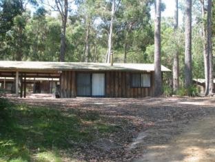 /woodbine-park-eco-cabins/hotel/merimbula-au.html?asq=jGXBHFvRg5Z51Emf%2fbXG4w%3d%3d