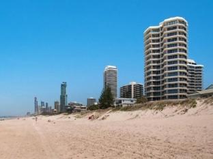 Beachside Tower Apartment