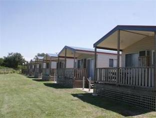 Birubi Beach Holiday Park Port Stephens - Ocean View Cabins