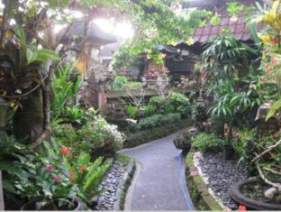 데삭 푸투 푸테라 홈스테이 발리 - 정원