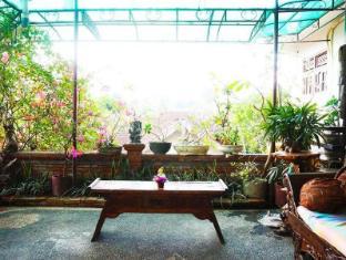 Desak Putu Putera Homestay Bali - Balkon/terasa