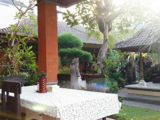 戴萨科普图普特拉普特拉民宿酒店 巴厘岛 - 阳台/露台